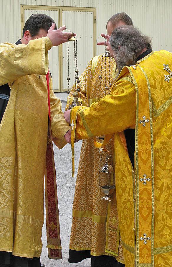 Orthodox_deacons