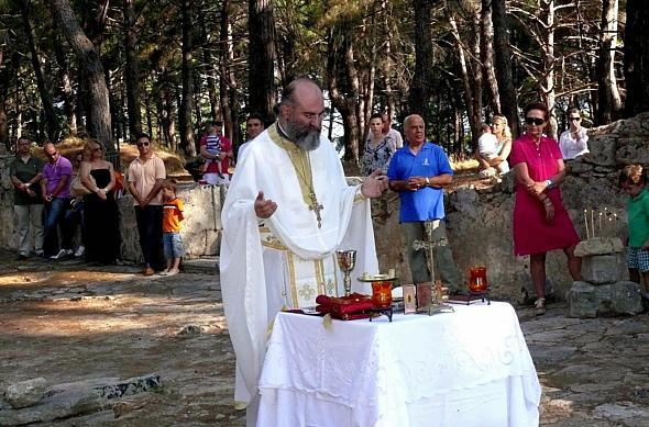 liturgical 2 in