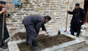 The Retrieval of the Relics of Elder Iosif Vatopaidinos